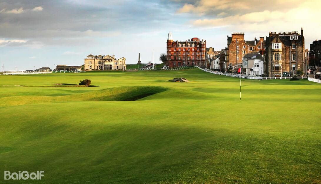 Premium StAndrews Old Course